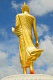 Thailändsk Buddha guld- staty. Royaltyfri Foto