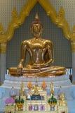 Thailändsk buddha staty, Wat Traimitr Withayaram Fotografering för Bildbyråer