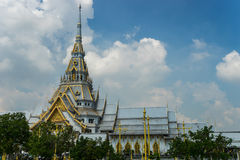 Thailändsk buddha tempel Arkivfoton