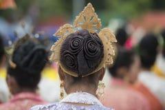 THAILÄNDSK DANS FÖR THAILAND BURIRAM SATUEK TRADITION Royaltyfria Bilder