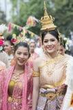THAILÄNDSK DANS FÖR THAILAND BURIRAM SATUEK TRADITION Fotografering för Bildbyråer