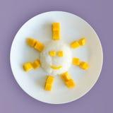 Thailändsk efterrätt, mango och klibbiga ris Arkivbilder