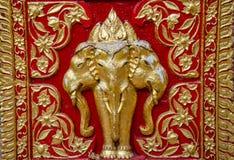 Thailändsk elefantskulptur royaltyfria foton