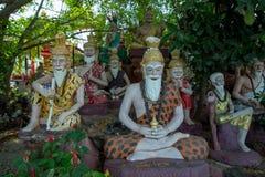 Thailändsk enstöringstatyskulptur, selektiv fokus fotografering för bildbyråer