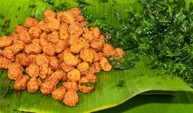 Thailändsk favorit- mat och det thailändska folket kallade Tod mun  Arkivbild