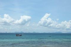 Thailändsk fiskebåt Royaltyfri Foto