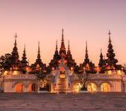 Thailändsk forntida stil av hotellet Royaltyfri Bild