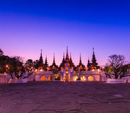 Thailändsk forntida stilbyggnad Arkivfoto