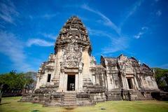 Thailändsk forntida tempel (den Pimai stenslotten) Royaltyfri Bild