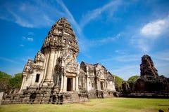 Thailändsk forntida tempel (den Pimai stenslotten) Arkivbilder