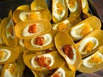 Thailändsk frasig pannkaka, thailändsk traditionell efterrätt arkivbild