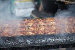Thailändsk grillad höna, thailändsk mat, grillade fega Wichian Buri 3 Royaltyfri Foto