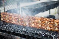 Thailändsk grillad höna, thailändsk mat, grillade fega Wichian Buri 3 Arkivbilder