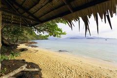 Thailändsk härlig strand och sjösida Arkivbilder