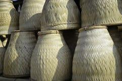 Thailändsk handgjord bambubasketwork för att ånga för klibbiga ris Fotografering för Bildbyråer