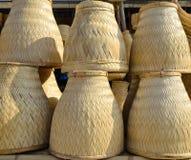 Thailändsk handgjord bambubasketwork för att ånga för klibbiga ris Royaltyfria Bilder