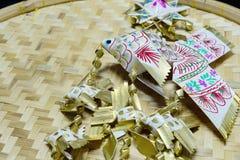 Thailändsk handgjord stilfiskmobil arkivfoto