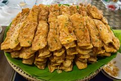Thailändsk indisk stilefterrätt, frasigt plant bröd eller frasig roti Royaltyfri Foto