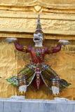 Thailändsk jätte för statyot Arkivfoto