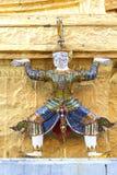 Thailändsk jätte för statyot Royaltyfri Foto