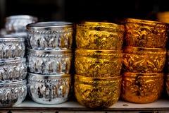 Thailändsk klassisk tappningkoppbehållare arkivbilder