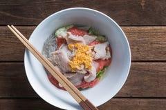 Thailändsk kokkonst Sukiyaki med ärret på träbakgrund, thai mat Fotografering för Bildbyråer