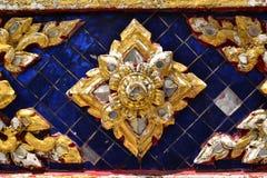 Thailändsk konst i det thailändska tempelet Royaltyfria Foton
