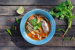 Thailändsk kryddig på burk sardinsallad Royaltyfri Fotografi