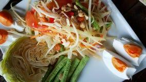 Thailändsk kryddig somtum som är thai för den asiatiska kokkonsten Royaltyfri Bild