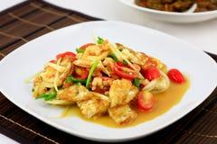 Thailändsk kryddig stekt äggsallad Royaltyfria Bilder