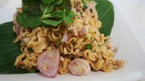 Thailändsk kryddig thai ögonblicklig nudel för den asiatiska kokkonsten Arkivbild