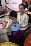 THAILÄNDSK KVINNLIG MÅLARE Royaltyfri Foto