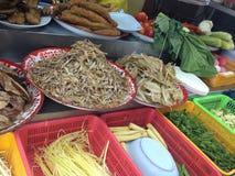 Thailändsk lokal matställerestaurang Fotografering för Bildbyråer