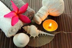 Thailändsk massage. Arkivbilder