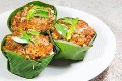Thailändsk mat, ångad fisk med currydeg Royaltyfri Fotografi