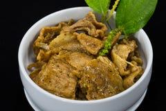 Thailändsk mat Fried Pork Slice med svartpepparsås Arkivfoto