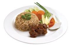 Thailändsk mat - thailändsk kryddig räkadeg Fried Rice arkivbild
