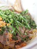 Thailändsk mat - nötköttnudel Fotografering för Bildbyråer