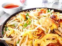 Thailändsk mat, pannkaka med musslan Royaltyfri Bild