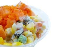 Thailändsk matstil, bästa sikt av sallad för efterföljdkrabbapinne arkivfoto