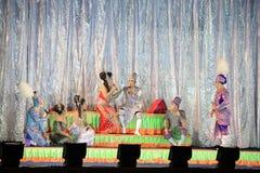 Thailändsk musikalisk folk dramashow Royaltyfri Fotografi