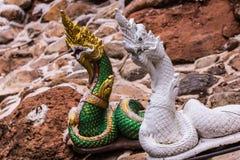 Thailändsk Nagastaty, buddistisk drake Arkivbild