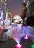 Thailändsk nattgatamarknad Arkivfoto