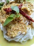 Thailändsk nudel, kryddig maträtt Arkivbilder