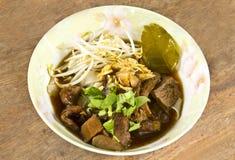 Thailändsk nudel med soup Arkivbild