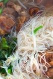 Thailändsk nudelsoup och porkmeat Royaltyfri Bild