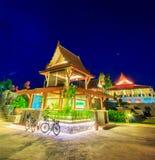 Thailändsk paviljong i aftonen Royaltyfri Fotografi