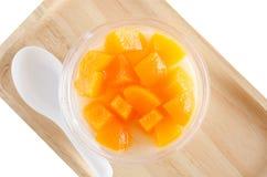 Thailändsk puddingfruktsallad, tofufruktsallad Fotografering för Bildbyråer