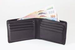 Thailändsk sedel och öppen plånbok Royaltyfria Foton