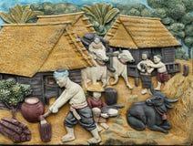 Thailändsk stil handcraft av thailändsk tradition på väggen royaltyfria bilder